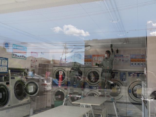 久米電気商会 コインランドリーまるき店内の照明器具をLEDに交換_4